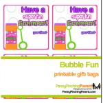 Kids End Of The Year Gift Ideas: Bubbles + Homemade Bubble Wands (Free Printable Tags Too!)